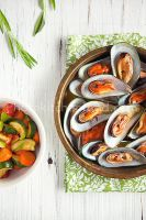 Mussels and mixed veggies by peachjuice