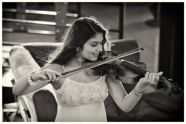 The Violinist by childlogiclabs