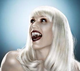 Gwen Stefani Vampire Version by effinbastitch