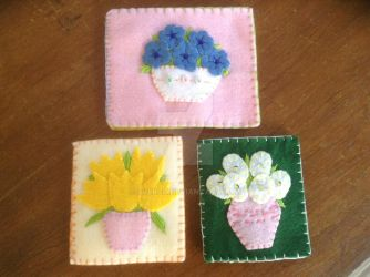 Embroidered felt cards by Everch