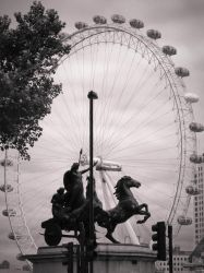 London Eye by julcsa