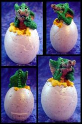 Hatching Draggle - Tooth by MightyAtom99
