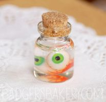 Eyeballs in a jar (1/4 scale) by BadgersBakery