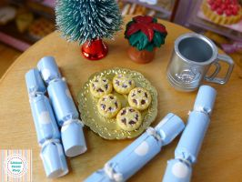 Miniature minced pies and Christmas crackers minis by LittlestSweetShop