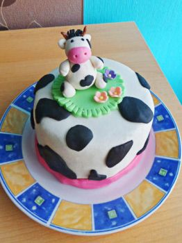 Cow cake by dabbisch