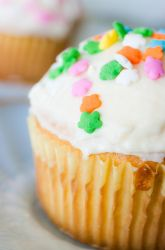 Colorful Cupcakes by W-L-Designs