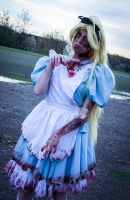 Dead in Wonderland by Saki-Kisu