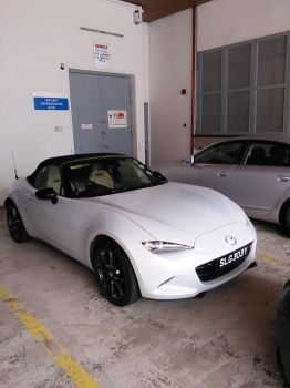 White Mazda MX5 Roadster ND by Amgnismo