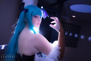 Morrigan Light 1 by IchigeiCosplay