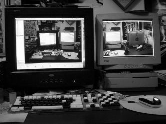 Dual Screen Setup 1 by tonmeister