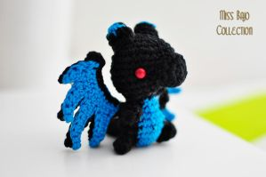 Black Charizard by MissBajoCollection