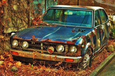 An abandoned car by Furuhashi335