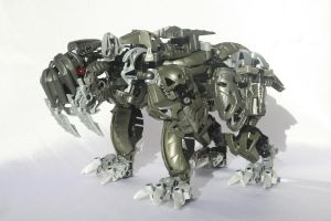 Bionicle MOC: Sabretooth by Rahiden