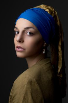 Girl with a Pearl Earring by Dzodan