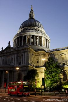 St Paul's Cathedral by x-modernway-x