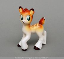 Fawn Sculpture by Merionic
