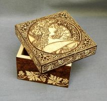 Woodburned Art Nouveau wooden keepsake box by YANKA-arts-n-crafts