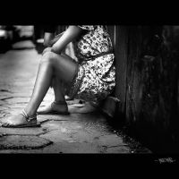 Her legs... by anacoluthon