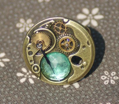 Steampunk Green Jewelled Ring in Antique Bronze by tgwttn