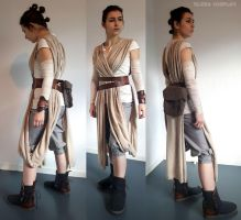 Rey by ElzzaCosplay