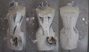Silver and white leather corset atelier Sylphe by AtelierSylpheCorsets