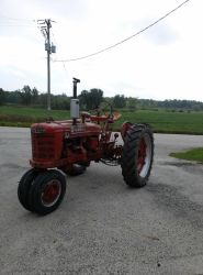 1953 Farmall Super H by Aperturecrazy