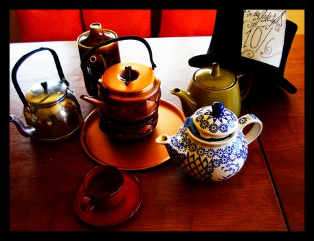 The Choir of Teapots by Zornmuehle