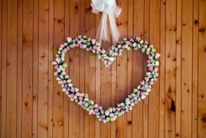 Paper Rose Heart-Shaped Wreath by TheBohoCraftsShoppe
