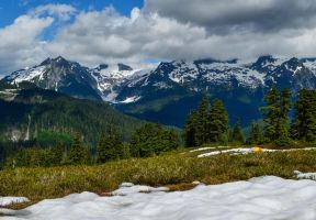 Trail to Elfin Lake by dashakern