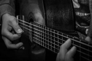 Le guitariste by fishesfall
