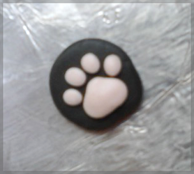 Kitty Paw pendant by mieame