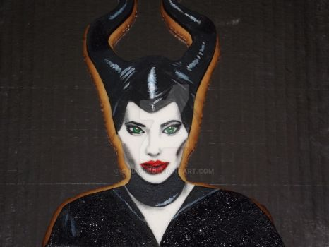 Angelina Jolie Maleficent decorated cookie by chiaopi