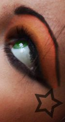 Pretty Green Eyes by GothicVampireFreak