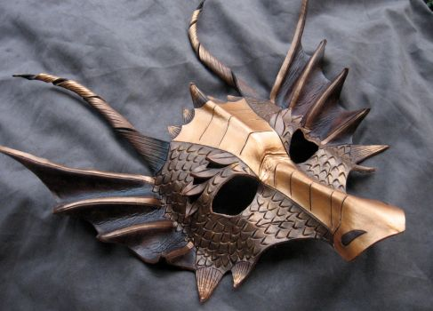 Bronze Dragon Mask by MummersCat