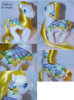 Wildflower pony custom by Woosie