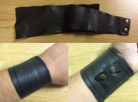 Black Leather wraping bracer by Vikingjack