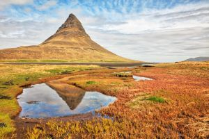 Kirkjufell Reflection by somadjinn