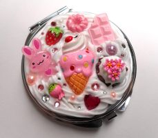 Deco Compact Mirror Ice Cream by Jin-ju