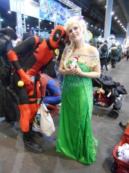 EpicCon Frankfurt 2016 cosplay: Deadpool and Elsa by Lalottered