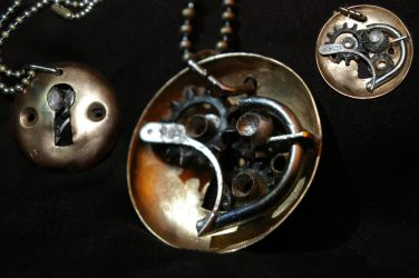 Steampunk necklace by vonSmallhausen