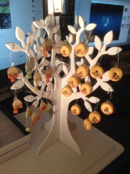 Donut and Teabag Charm Tree by Sigilien