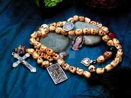 Beads of Death - momento mori paternoster by zephyrofgod