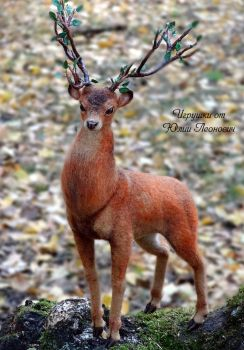 Needle Felted Deer by YuliaLeonovich