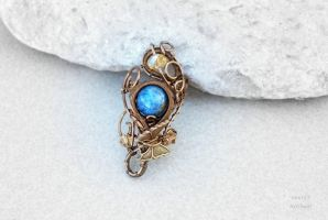 Kyanite wire wrapped ring with butterfly by IanirasArtifacts