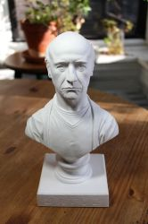 Larry David classical bust by CG-imagery