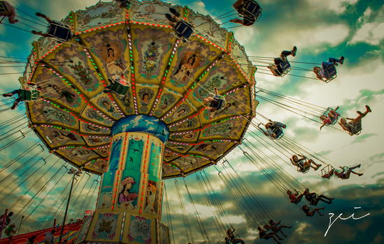 Carousel by zeiruch
