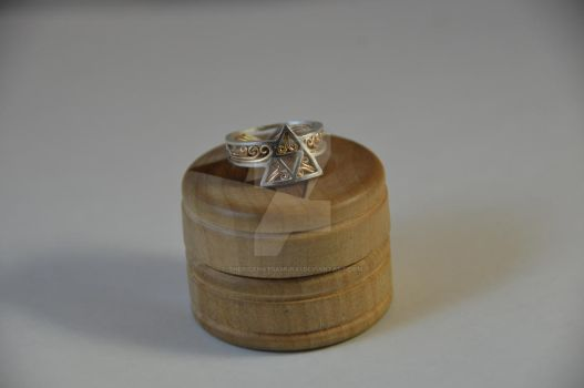Triforce Ring Rev. 6 - Gold version by TheRiceHatSamurai