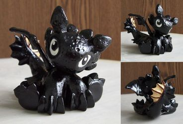 Tiny Toothless by Cyle