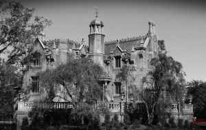 Haunted Mansion by Fatespeaks