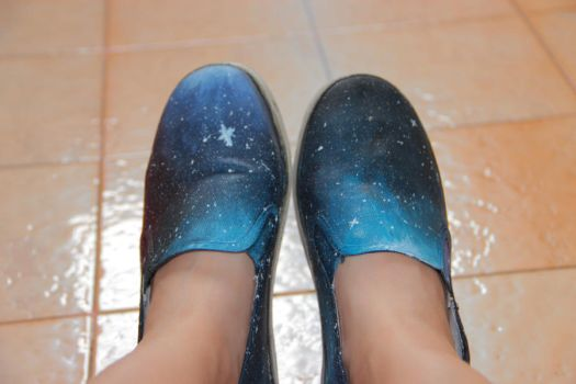 Galaxy shoes by mintybreeze